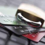 Вправе ли судебные приставы снимать деньги с банковской карты?