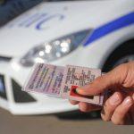 Можно ли поменять водительские права раньше срока их окончания